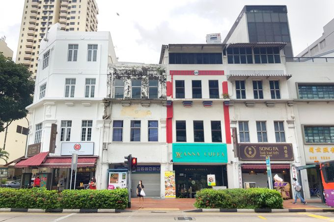 Read more about the article Two Clarke Quay shophouses for sale with S$6.2m guide prices